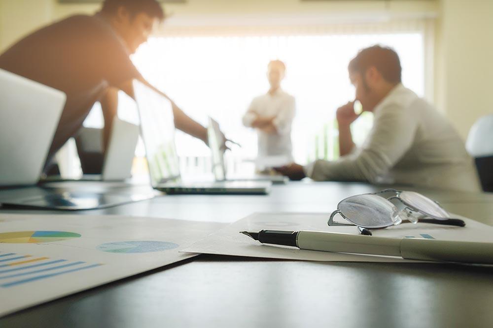 İş Toplantısı Ekip Gözlük Kalem